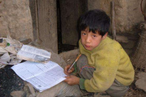 贫家子弟助学记:不让一个孩子因贫困上不起学